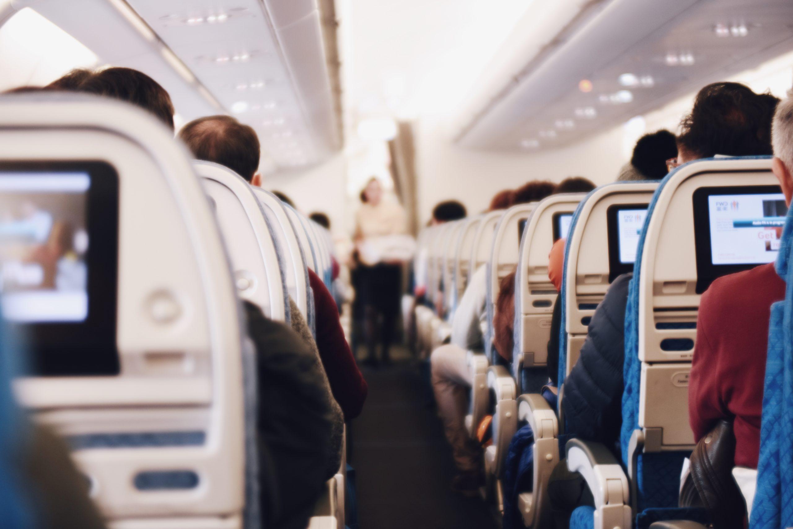 Que mettre dans son bagage cabine pour un vol long courrier - dear planet- blog voyages
